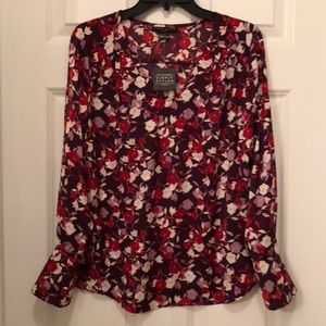 NWT simply styled blouse